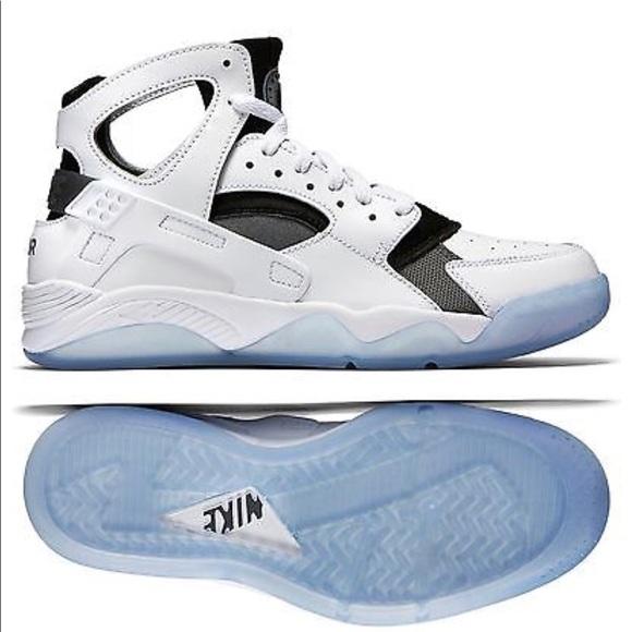 da2df165587f ... Nike Air Flight Huarache Size 10. M 5a8df2989d20f08c90e5c519